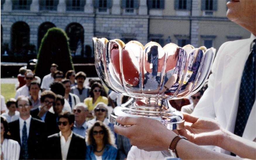 trofeo in argento per evento aziendale